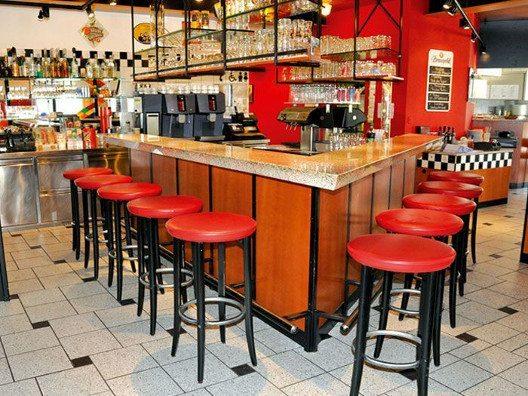 Willkommen an der Stammtisch-Bar