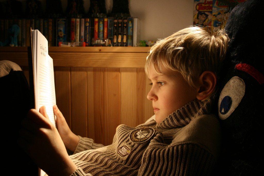 Guter Inhalt im Netz hat viel mit den Qualitäten eines spannenden Buches zu tun. (Bild: Simone Peter / pixelio.de)