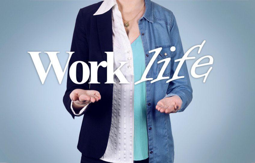 Die Work-Life-Balance können Sie als Führungskraft bewusst fördern. (Bild: blickkick - Fotolia.com)