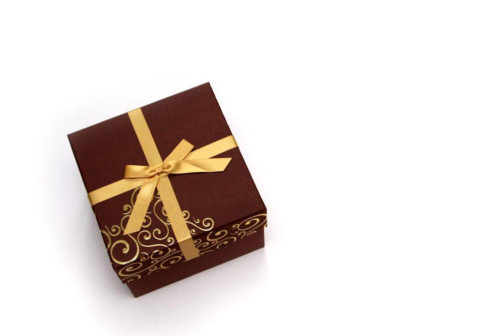 Sogar ein kleines Geschenk ist eine große Aufgabe (Bild: JMG  / pixelio.de)