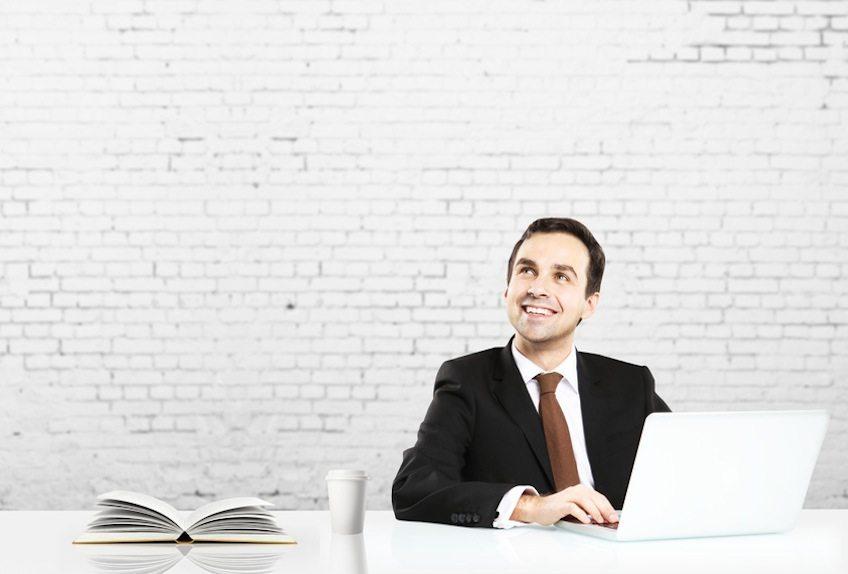 Wer viel liest, hat gute Ideen - besonders wichtig für Social Media Manager. (Bild: peshkova - Fotolia.com)
