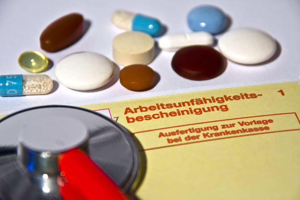 Krankschreibung (Bild: Thorben Wengert  / pixelio.de)
