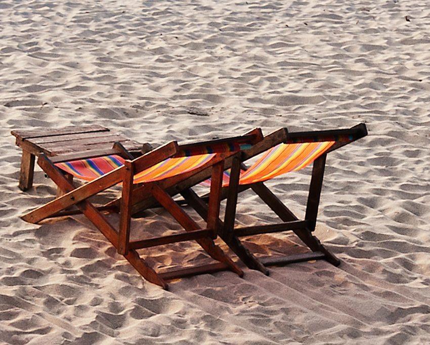 Liegestuhl-zuruecklehnen_Marianne-J_pixelio.de