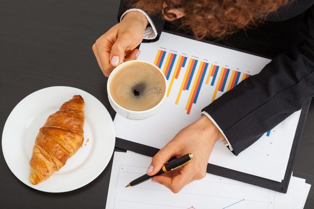 Business-Lunch-Photographee.eu-shutterstock.com