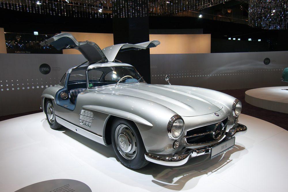 Mercedes-300SL-VanderWolf-I-shutterstock.com