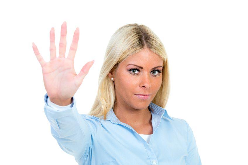 Setzen Sie Ihren mobbenden Kollegen Grenzen und zeigen, dass Sie sich nicht alles gefallen lassen. (Bild: Picture-Factory / Fotolia.com)
