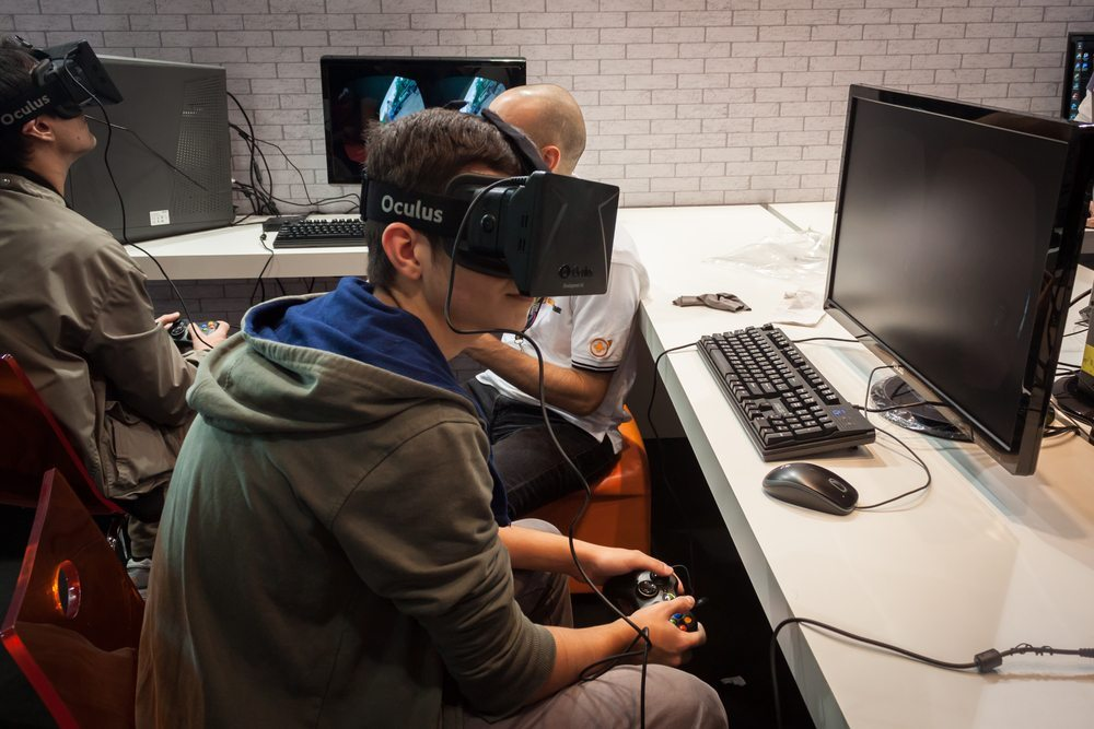 "Oculus VR - Virtual-Reality-Brillen. <a href=""http://www.shutterstock.com/gallery-1301668p1.html?cr=00&pl=edit-00"" rel=""nofollow"">Stefano Tinti</a> / <a href=""http://www.shutterstock.com/?cr=00&pl=edit-00"" rel=""nofollow"">Shutterstock.com</a>"