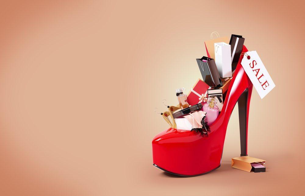 Oftmals kaufen Menschen auch Dinge, die sie gar nicht brauchen. (Bild: Vadim Georgiev / Shutterstock.com)