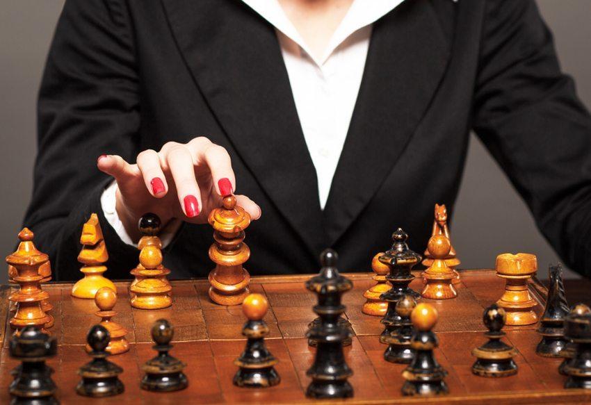 Wie verknüpfen Sie Emotionen und Vernunft bei der Entscheidungsfindung? (Bild: Zoran Zeremski / Shutterstock.com)
