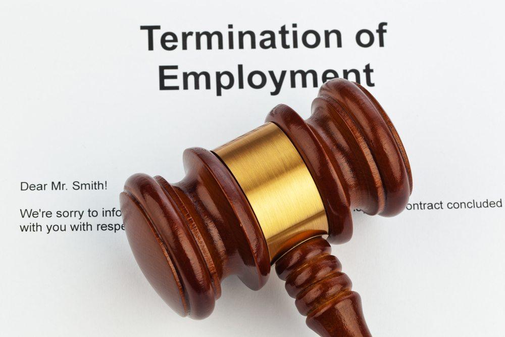 Das Arbeitszeugnis als zwingender Rechtanspruch des Arbeitnehmers. (Bild: Lisa S. / Shutterstock.com)