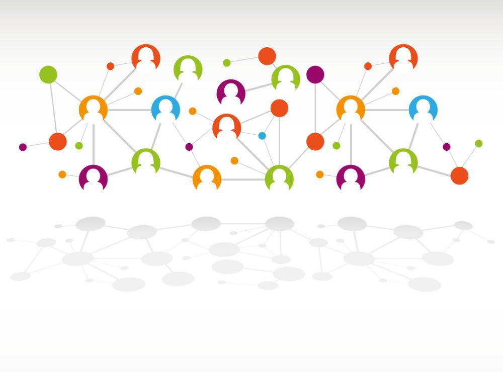 Zwingen Sie sich, in die Offensive zu gehen. Umgeben Sie sich auf realen und digitalen Netzwerktreffen mit Menschen, die aus Ihrer Wunschbranche kommen. (Bild: Alvaro Cabrera Jimenez / Shutterstock.com)