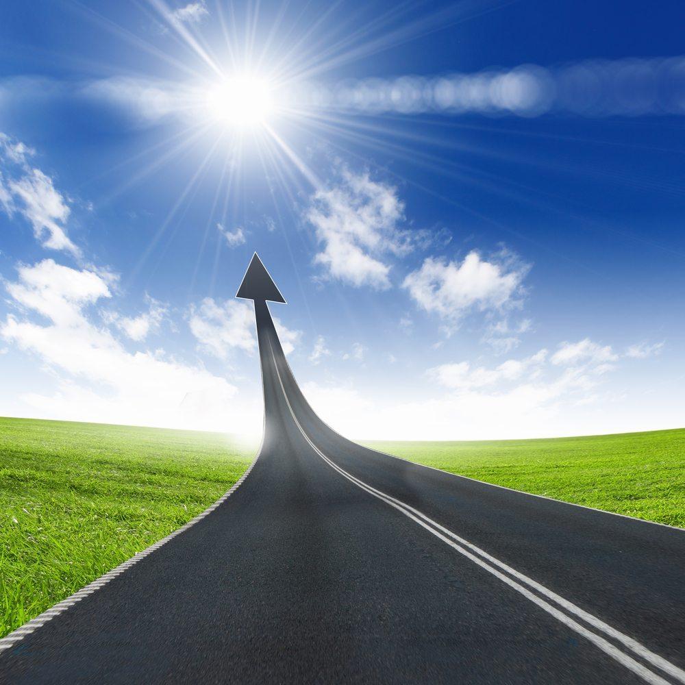 Wer nicht vorwärts denkt, bleibt zurück. (Bild: Sergey Nivens / Shutterstock.com)