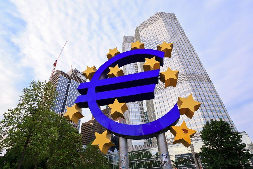 Auch der von der EZB verordnete Stresstest für die Banken in der Euro-Zone dürfte die Zugangsmöglichkeiten zu Krediten bis auf Weiteres dämpfen. (Bild: Noppasin / Shutterstock.com)