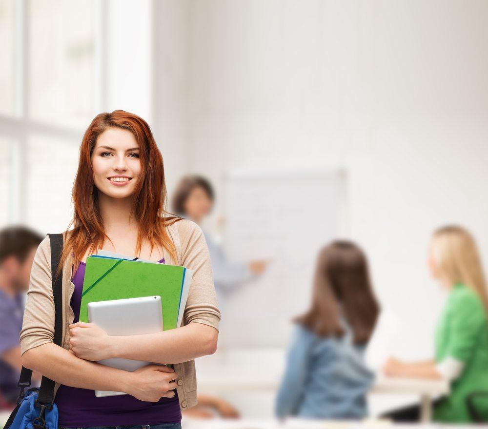 Selten ist man als Student der einzige kluge Kopf im Land. (Bild: Syda Productions / Shutterstock.com)