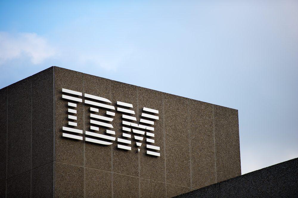 """""""Bahnbrechende"""" Kooperation mit IBM für Business-Kunden. (Bild: JuliusKielaitis / Shutterstock.com)"""