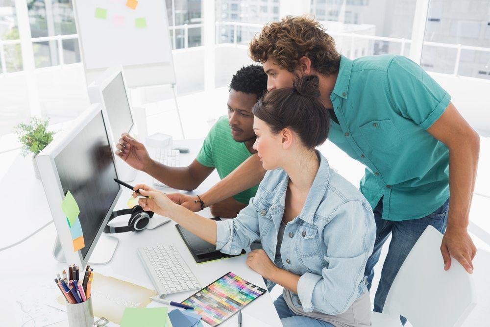Wer im Arbeitsumfeld Entscheidungen fällen muss, sollte diese auch begründen können. (Bild: Bacho / Shutterstock.com)