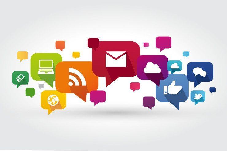 Posts in sozialen Netzwerken sollten in Inhalt, Zeitpunkt und Häufigkeit gut durchdacht sein. (Bild: © Julien Eichinger - Fotolia.com)