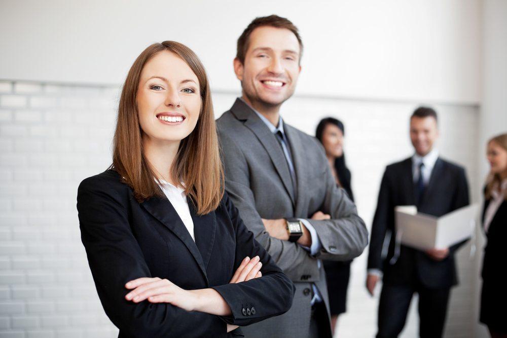 Kann jeder Chef sein? In modernen Unternehmen: ja. Ein Minimum an Hierarchie muss natürlich gegeben sein. (Bild: baranq / Shutterstock.com)