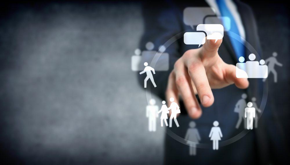 Sie betreiben Webseiten nicht nur zu rein persönlichen oder familiären Zwecken? Dann sind Sie zur Angabe eines Impressums verpflichtet. (Bild: Sergey Nivens / Shutterstock.com)
