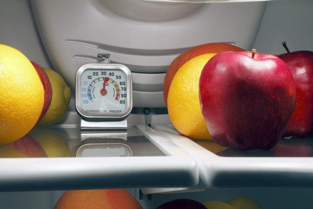 Die meisten Schweizer Kunden greifen zu der Ware, die in ihren Augen appetitanregender und gesünder ist. (Bild: Serenethos / Shutterstock.com)