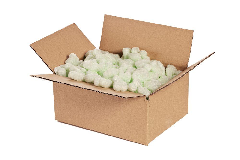 In keinem Fall darf der Karton zu gross sein und über Hohlräume verfügen.. (Bild: yamix / Shutterstock.com)
