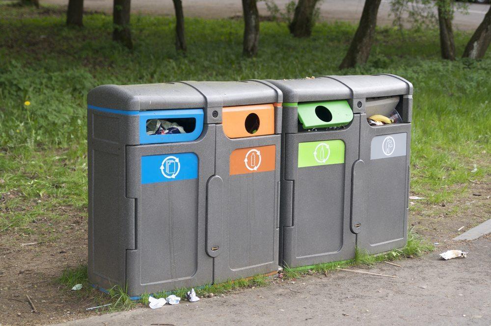 Die richtige Anwendung beim Sammeln, Lagern und Entsorgen von Abfall ist Pflicht für jedes verantwortungsbewusste Unternehmen. (Bild: sarka / Shutterstock.com)
