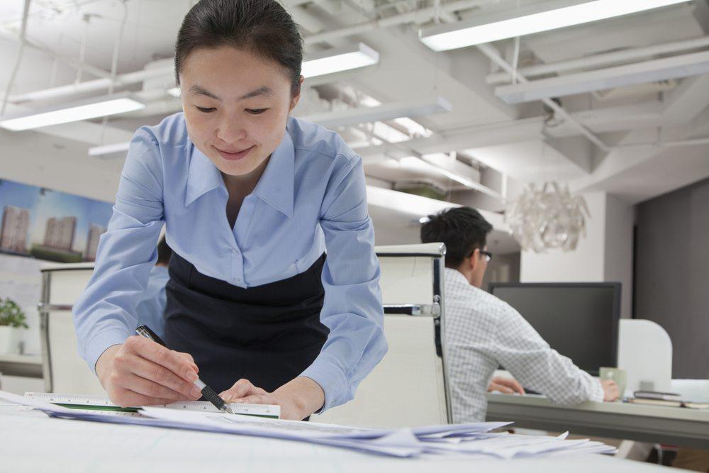 http://business24.ch/wp-content/uploads/2014/10/Korrekturstifte-und-–Lineale-XiXinXing-Shutterstock.com_.jpg.jpg