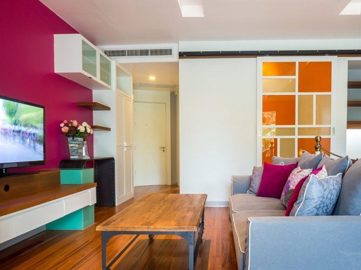 Polstermöbel sind variabel und vielseitig gestaltbar (Bild: © Naphat Rojanarangsiman - shutterstock.com)