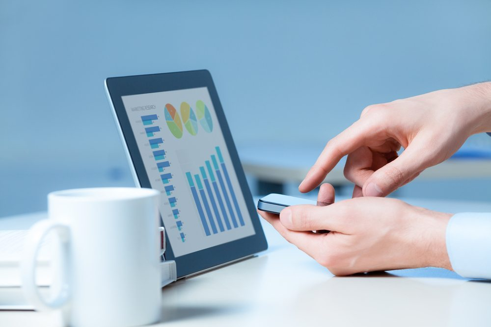 Der klassische Büroalltag als Auslaufmodell; mobiles Arbeiten ist angesagt. (Bild: Bloomua / Shutterstock.com)