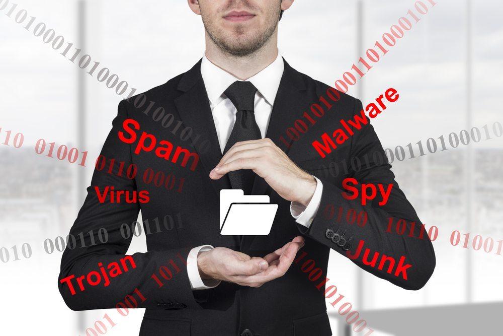 Die Add-ons können getarnte Trojaner sein, die unerwünscht sensible Informationen vom eigenen Gerät aufzeichnen. (Bild: Imilian / Shutterstock.com)