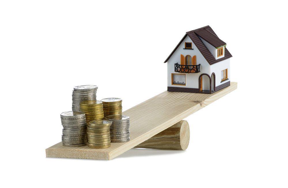Die Mieter in der Schweiz wenden häufig mehr als die Hälfte des Haushaltseinkommens für die Miete auf. (Bild: thieury / Shutterstock.com)