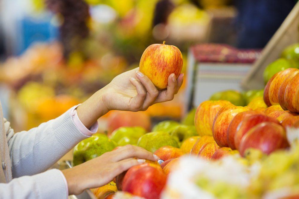 Am besten kaufen Sie die Ware tagesfrisch beim Gemüsehändler. (Bild: © LDprod - shutterstock.com)