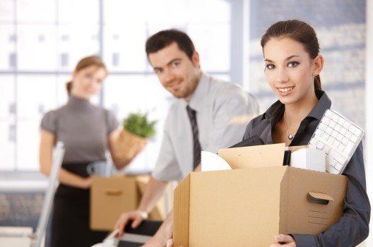 Der Standortwechsel fordert Betrieb und Mitarbeiter gleichermassen heraus. (Bild: StockLite / Shutterstock.com)