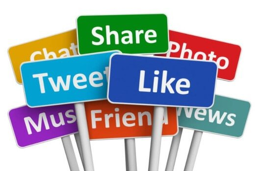 Johnny Haeusler behauptet, dass Webseiten durch Social Media bald überflüssig werden. (Bild: Oleksiy Mark / Shutterstock.com)