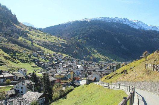Vals – Ansicht von Norden. (Bild: Adrian Michael, Wikimedia, GNU)
