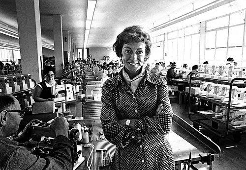 "Odette Ueltschi übernahm 1965 die Unternehmensführung. (Bild: © BERNINA International AG, Steckborn / Wikimedia / <a title=""creativecommons.org - Creative Commons"" href=""http://creativecommons.org/licenses/by-sa/3.0/"" target=""_blank"">CC-BY-SA-3.0</a>)"