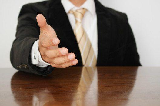 """Der Begriff Laissez-faire bedeutet im Französischen """"lasst machen"""". (Bild: kyokyo – shutterstock.com)"""