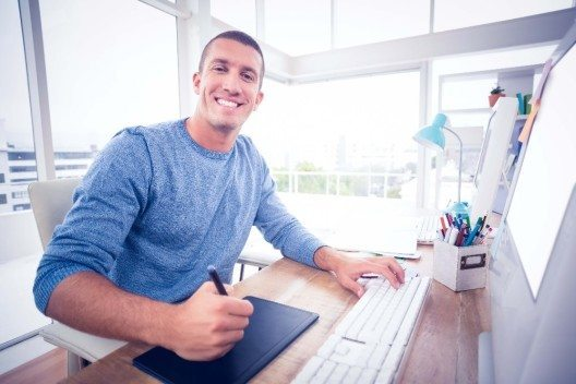 Es sollten niemals mehr als 50 Prozent der gesamten Arbeitszeit fest verplant werden. (Bild: © WavebreakMediaMicro - fotolia.com)