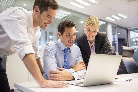 Bisher schrecken die meisten Firmen vor derart langfristigen Investitionen in ihre Personalplanung eher zurück (Bild: © LDprod - shutterstock.com)