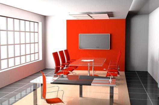 Freundliche Farben sorgen für eine angenehme Büroatmosphäre. (Bild: © Kalakutskiy Mikhaill - shutterstock.com)