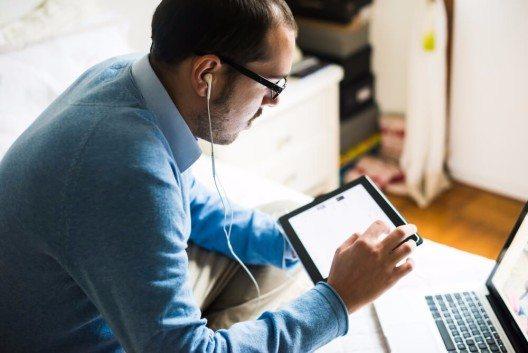 Neue Anforderungen müssen schnell realisiert werden, damit die Erwartungshaltung von Kunden und Partnern erfüllt wird. (Bild: © Eugenio Marongiu - shutterstock.com)