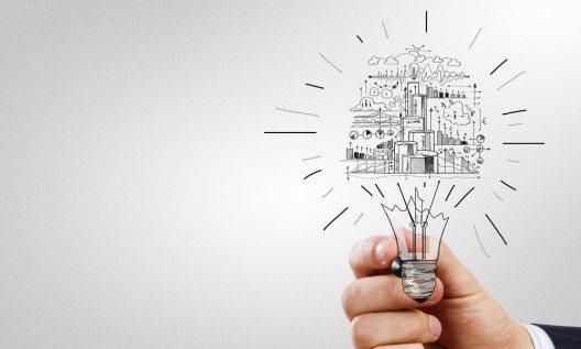 Für Social Media braucht es eine durchdachte Strategie. (Bild: © Sergey Nivens - shutterstock.com)