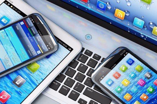 Ein Freihandelsabkommen könnte Preise für Smartphones und Tablets senken (Bild: © Oleksiy Mark – shutterstock.com)