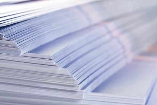 Eine Möglichkeit, Kunden zu akquirieren, stellt klassische Werbung dar z.B. in gedruckter Form. (Bild: © Stanislav Popov - shutterstock.com)