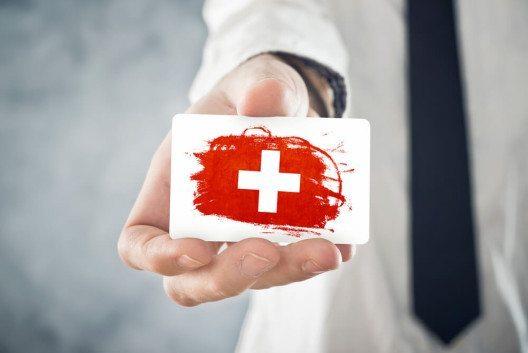 """Offizielle Anklagen gegen Unternehmen wegen """"Privatbestechungen"""" seitens ihrer Mitarbeiter spielen in der Schweiz so gut wie keine Rolle. (Bild: © igor.stevanovic - shutterstock.com)"""