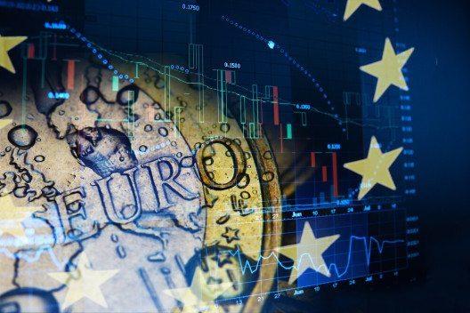 2014 konnte der Euroraum erstmals seit der Finanzkrise wieder ein höheres Wachstum als Nordamerika verbuchen. (Bild: © Carlos Amarillo - shutterstock.com)