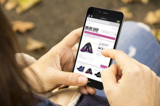 Langweilige Webseiten halten vor allem Frauen vom Kaufen ab. (Bild: Georgejmclittle / Shutterstock.com)
