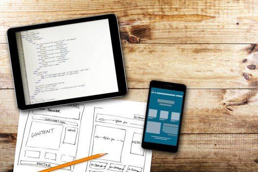 ie eigene Webseite bietet den Vorteil, dass Sie Ihre Vorstellungen nach Lust und Laune umsetzen können. (Bild: © ronstik - shutterstock.com)