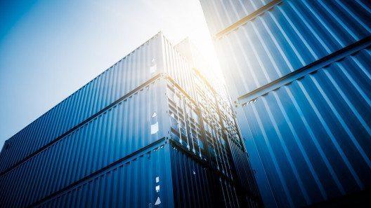 Die Exportrückgänge haben sich im Verlaufe des Jahres deutlich beschleunigt. (Bild: © ssguy - shutterstock.com)
