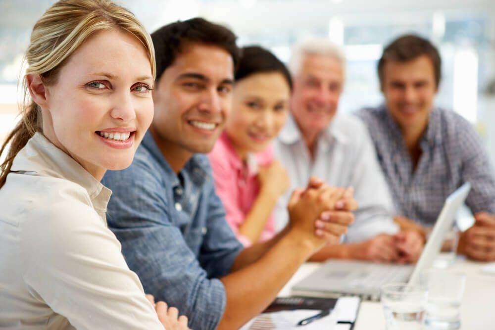 Unternehmen sind von Gesetzes wegen verpflichtet, für ihre Mitarbeitenden eine berufliche Vorsorgelösung abzuschliessen. (Bild: © Monkey Business Images - shutterstock.com)